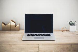 cara-merawat-layar-laptop