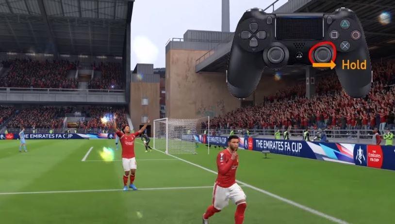 Penggunaan selebrasi ''ssst'' di FIFA 20. (YouTube/ NepaNinz)