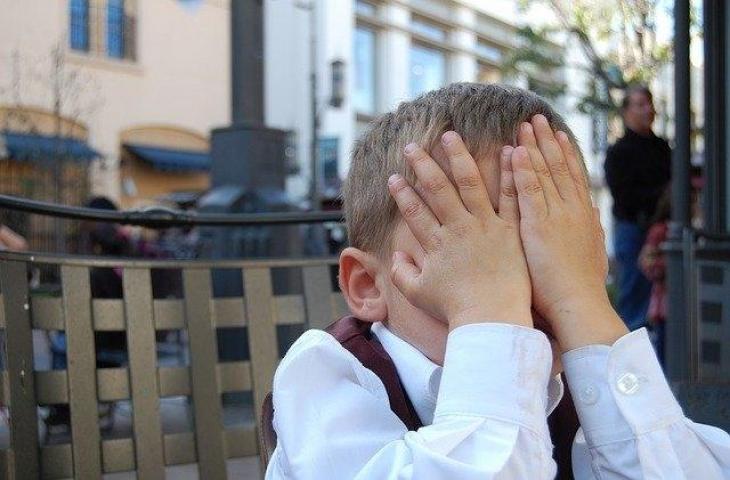 Ilustrasi anak-anak kesal. (Pixabay/mintchipdesigns)