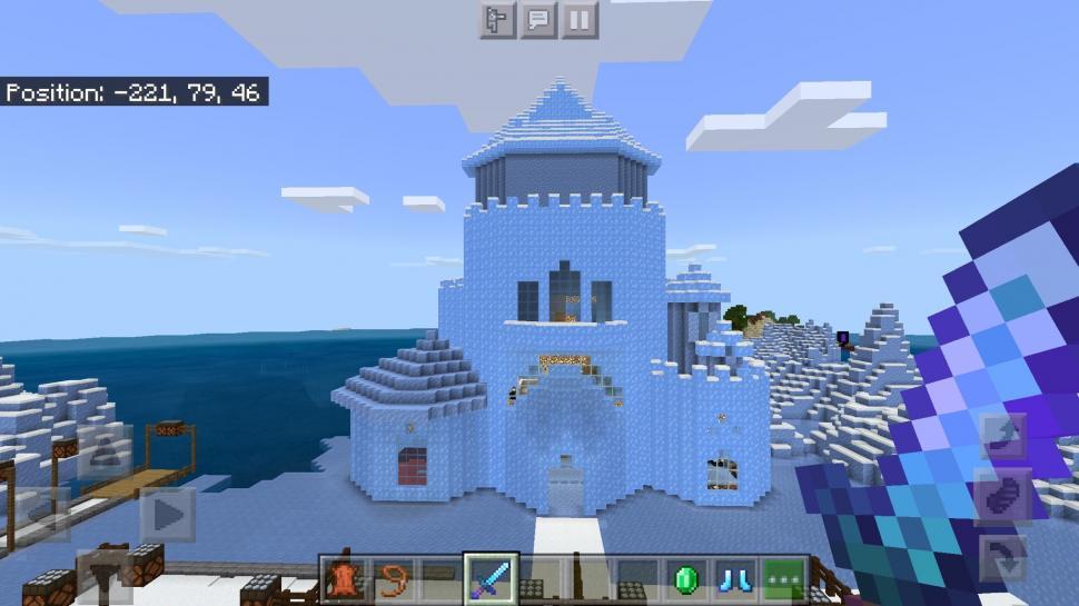 Celine JKT48 bangun istana es di Minecraft. (Twitter/ Celine_JKT48)