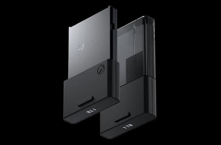 SSD memori eksternal Xbox Series X. (Microsoft)