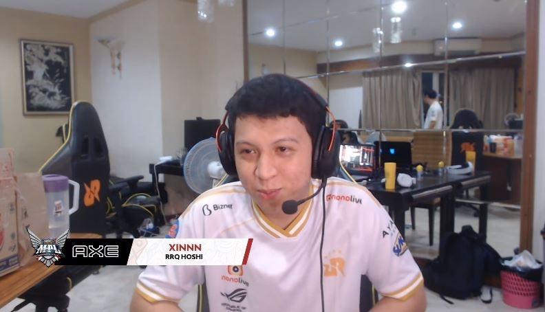 RRQ Xinn saat sesi wawancara setelah melawan BTR di Week 7. (YouTube/ MPL Indonesia)