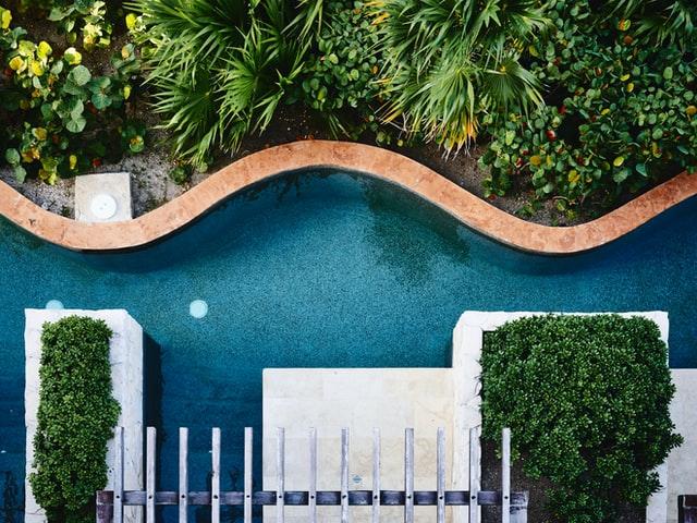 tips-merawat-kolam-renang