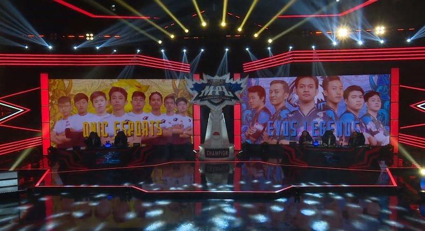 ONIC vs EVOS di babak play-off. (YouTube/ MPL Indonesia)