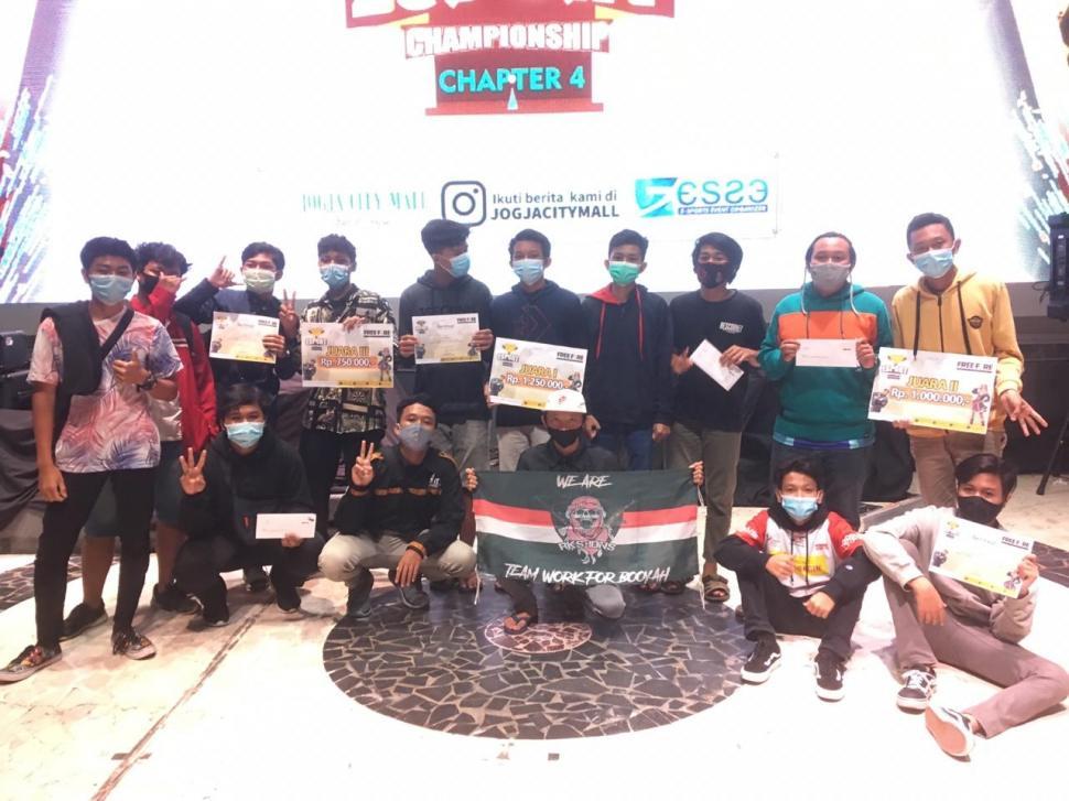 Para pemenang dari JCM Esports Championship Chapter 4 Free Fire. (Istimewa)
