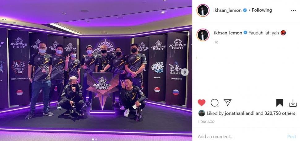 Reaksi Lemon usai gagal membawa piala M2 World Championship. (Instagram/ ikhsan_lemon)
