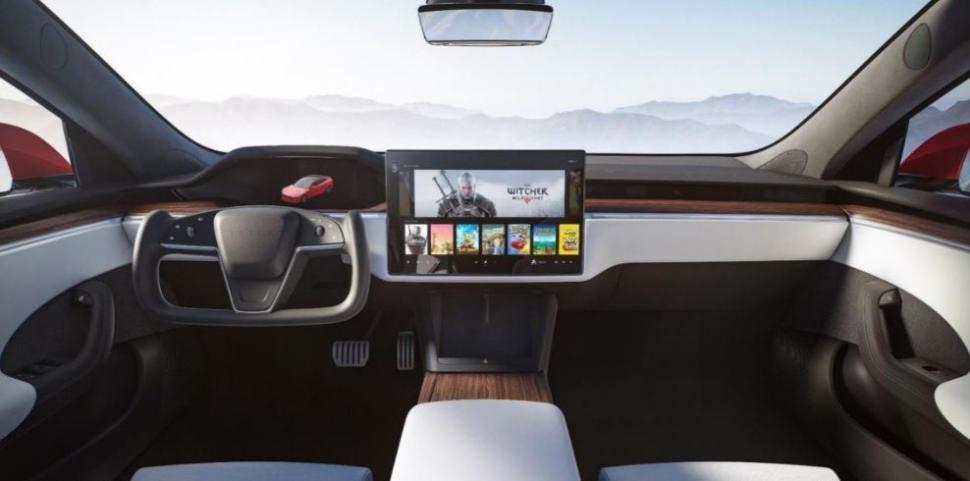 Mobil Tesla terbaru bisa memainkan game Cyberpunk 2077. (Twitter/ elonmusk)
