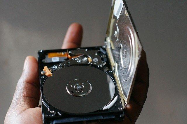 penyebab-hardisk-laptop-rusak
